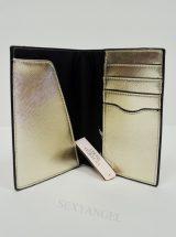 Oblozhka na pasport zolotaya