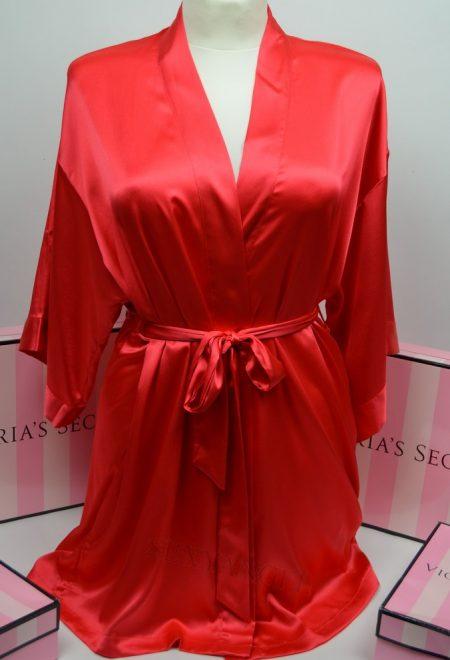 Сатиновый халат красный