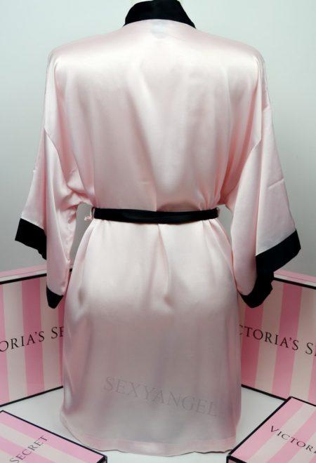 Сатиновый халат розовый с черным