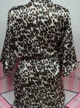 Satinoviy halat temniy leopard2