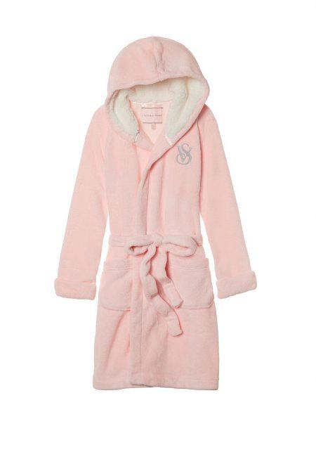Флисовый халат розовый с капюшоном
