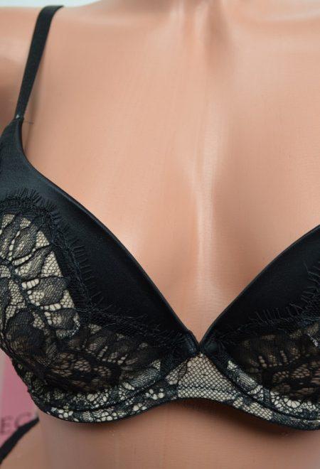 Бюстгальтер Very Sexy plunge demi черное кружево