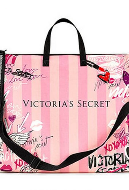 Dorozhnaia sumka Victoria's Secret rozovaia graffiti