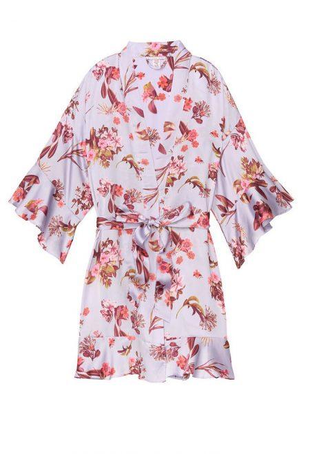 Satinovoe kimono s riushami fioletovoe s cvetami
